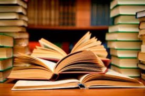 Lectura del Génesis en Griego por Monseñor Puente